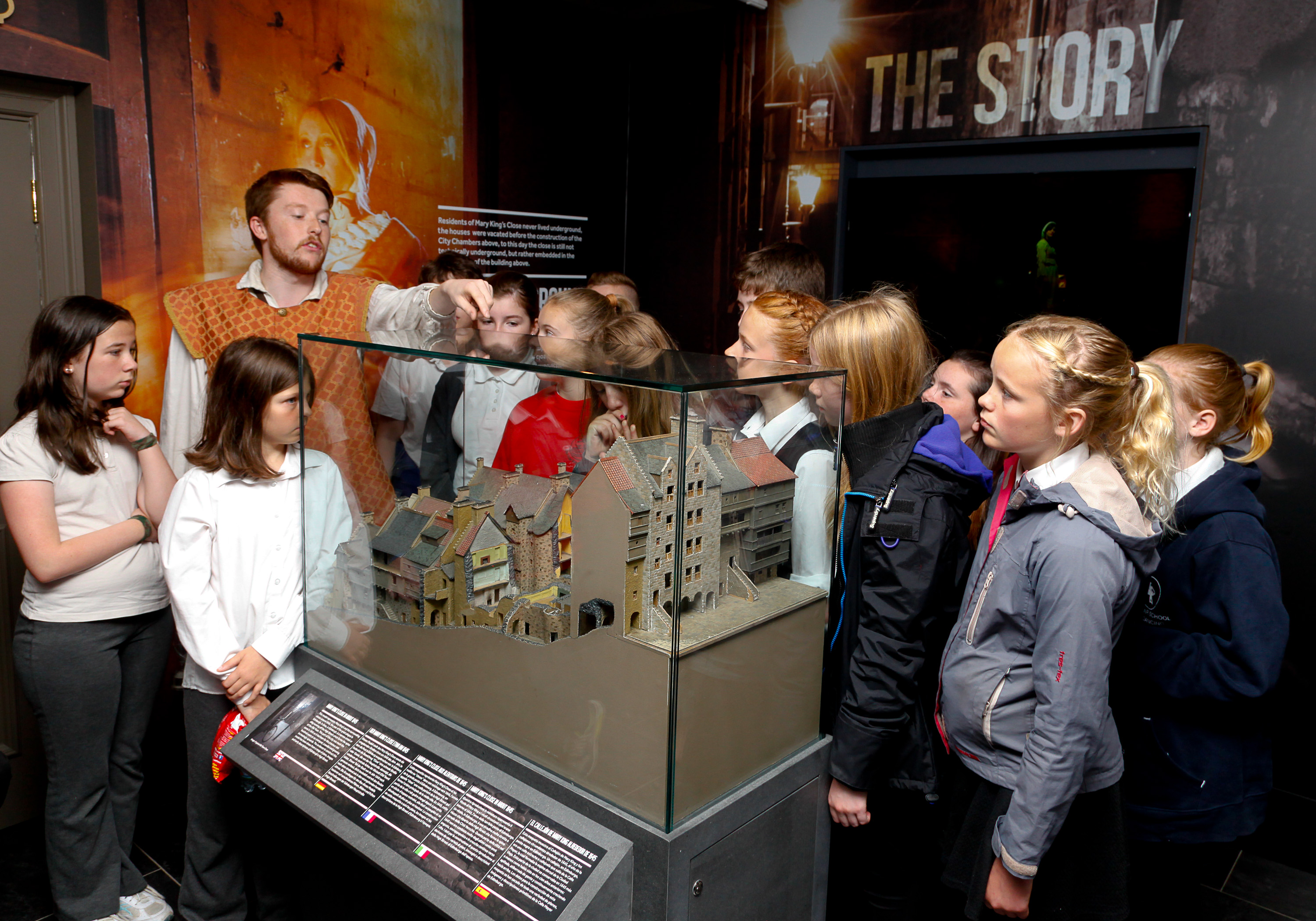 School Class view the exhibition space