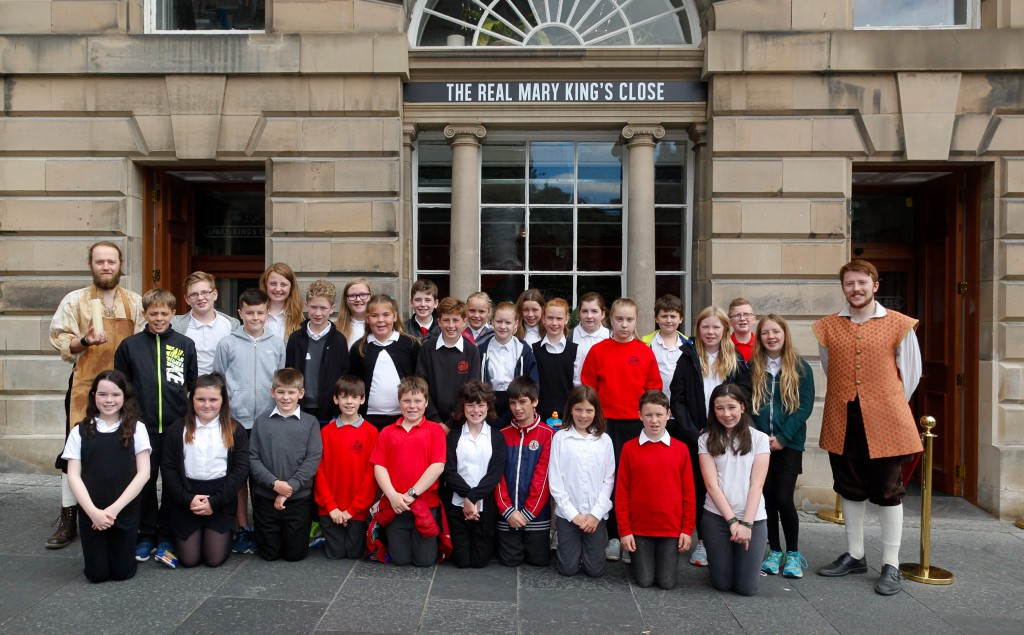 Dunbar Primary School with the Candlemaker and Robert Fergusson